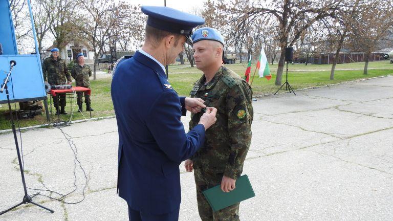 Български офицер получи американски медал
