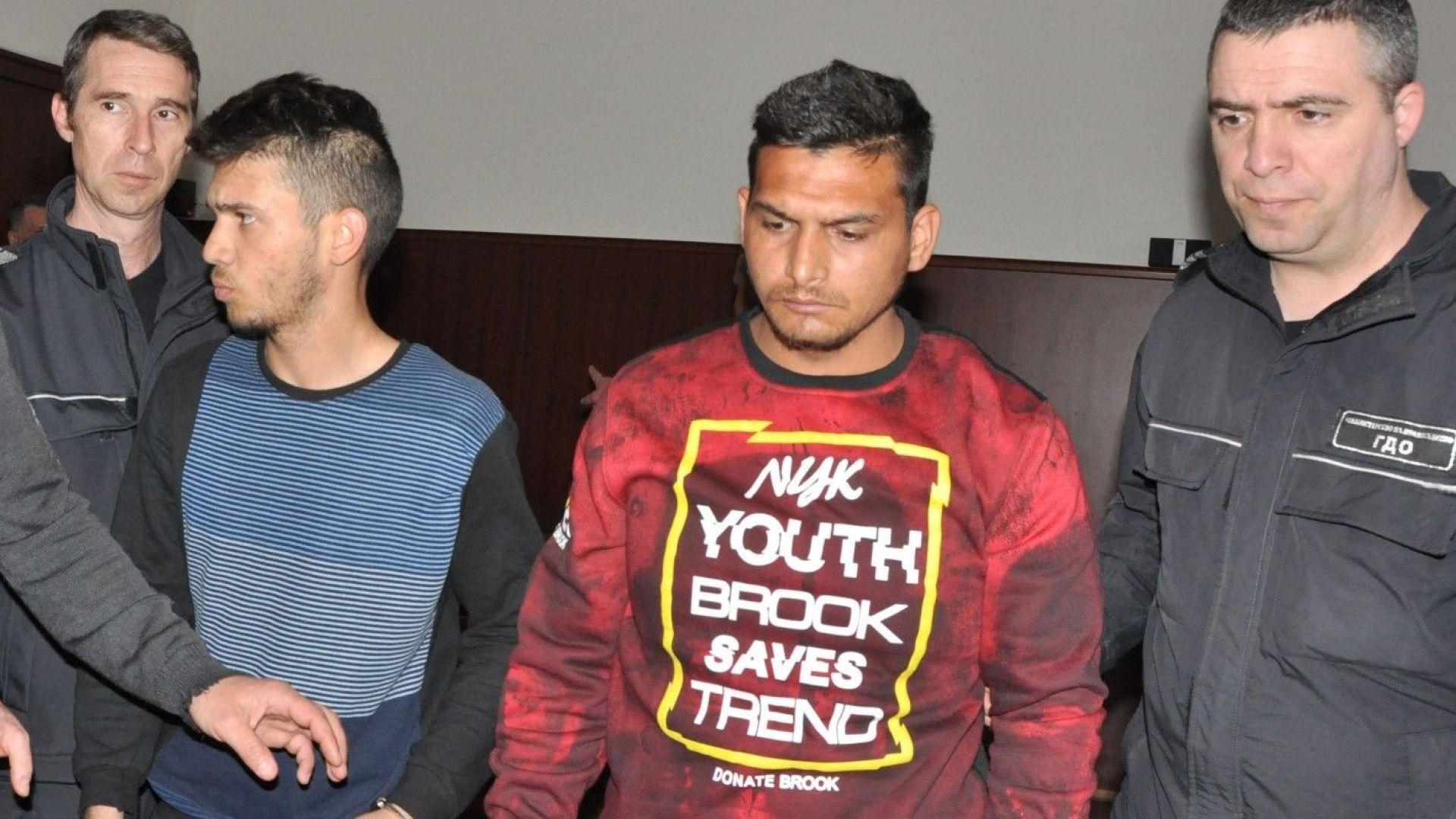 Младежите, гаврили се и убили 53-годишна жена в Харманли, остават в ареста