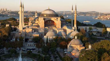 """Гняв в Гърция заради идеята на Ердоган """"Света София"""" да бъде джамия"""