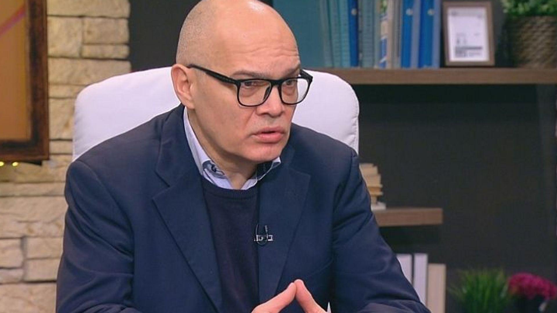 Тихомир Безлов: Мерки срещу COVID-19 означават политически сблъсък