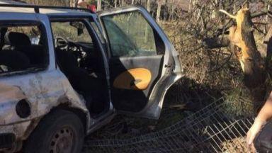 Пиян се качи зад волана с две деца в колата и се заби в дърво в Русе