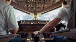 Експeрт: Български пилоти няма, авиокомпаниите ни наемат чужденци