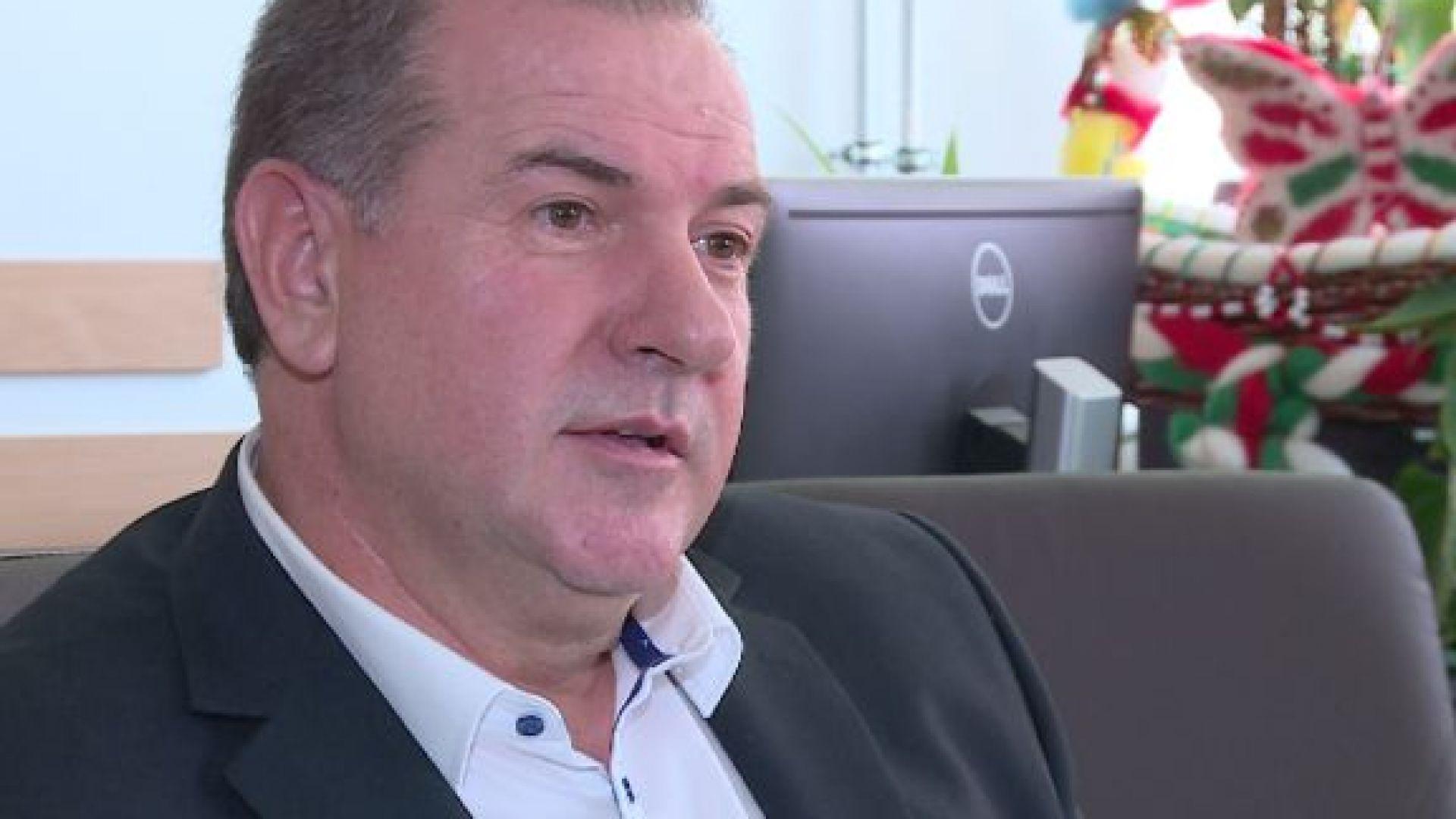 И заместник-министърът на енергетиката Красимир Първанов подаде оставка заради скандала