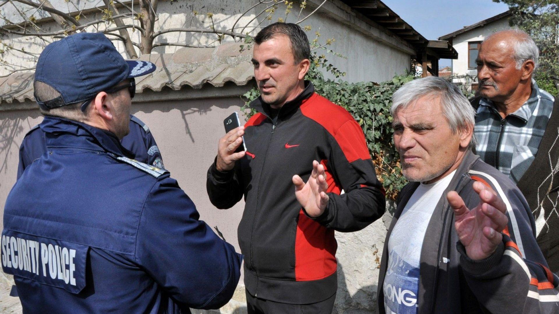 Пътят Хасково - Кърджали бе блокиран от протестиращи в центъра