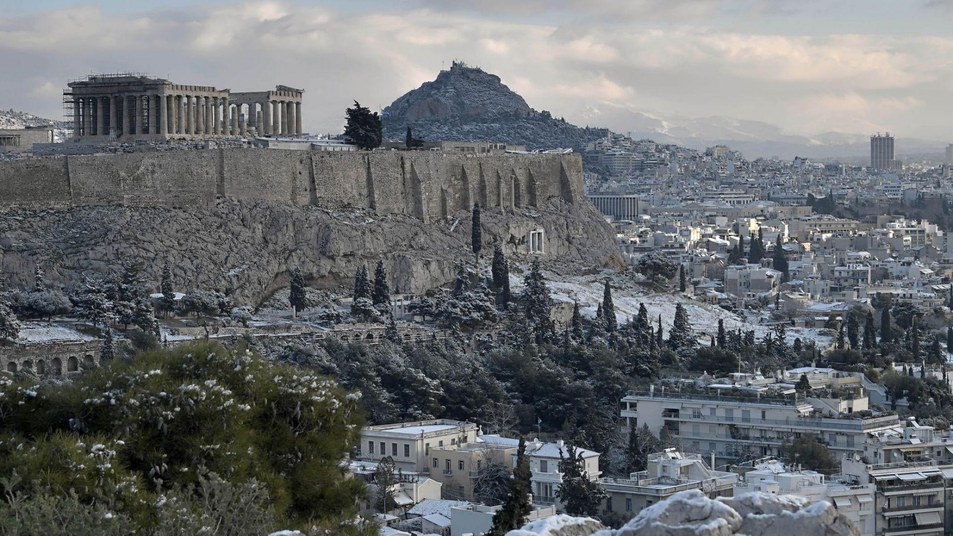 В централната част на Атина ще бъде издигната статуя на