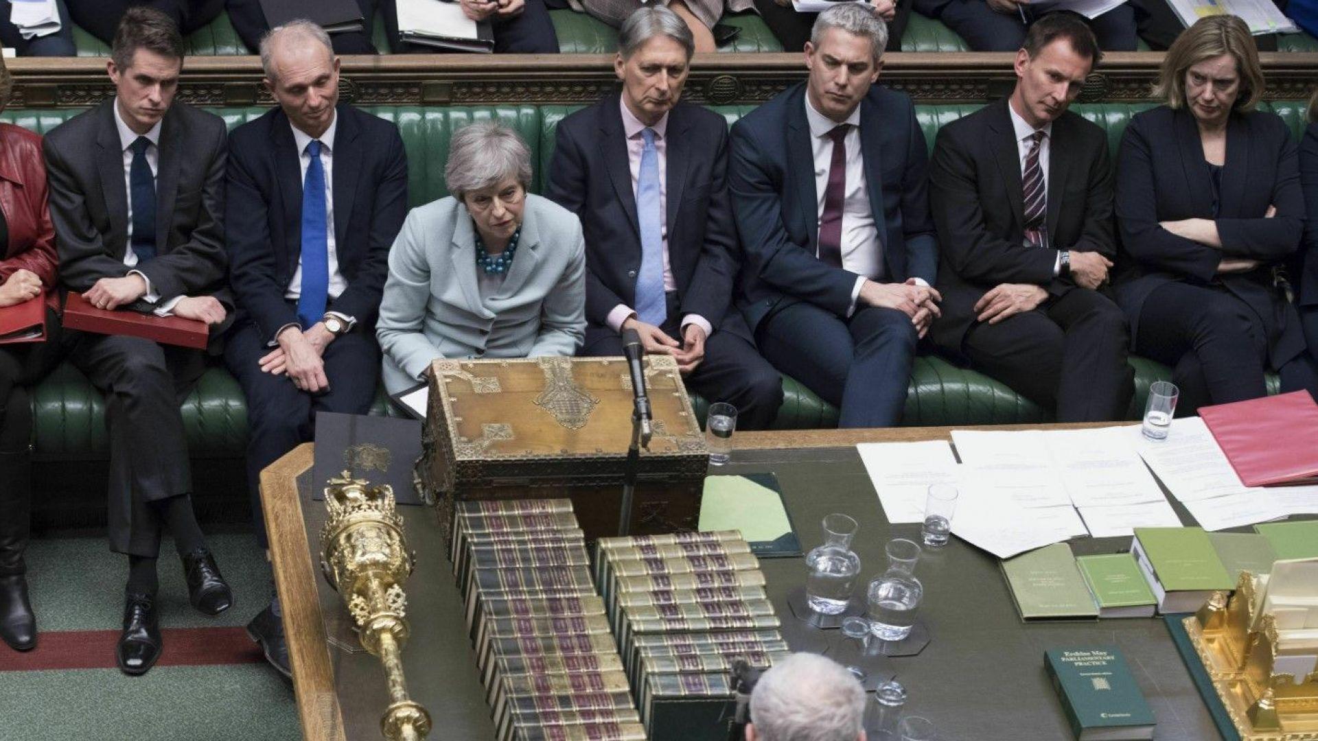 Британският кабинет обмисля четвърти вот на сделката за Брекзит