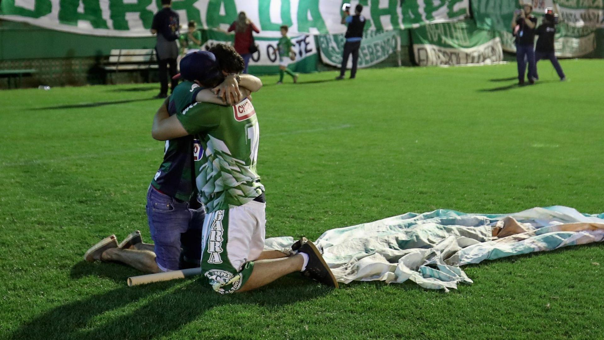 История като от филм: Оцелял в катастрофата на Чапекоензе почина, докато играеше футбол