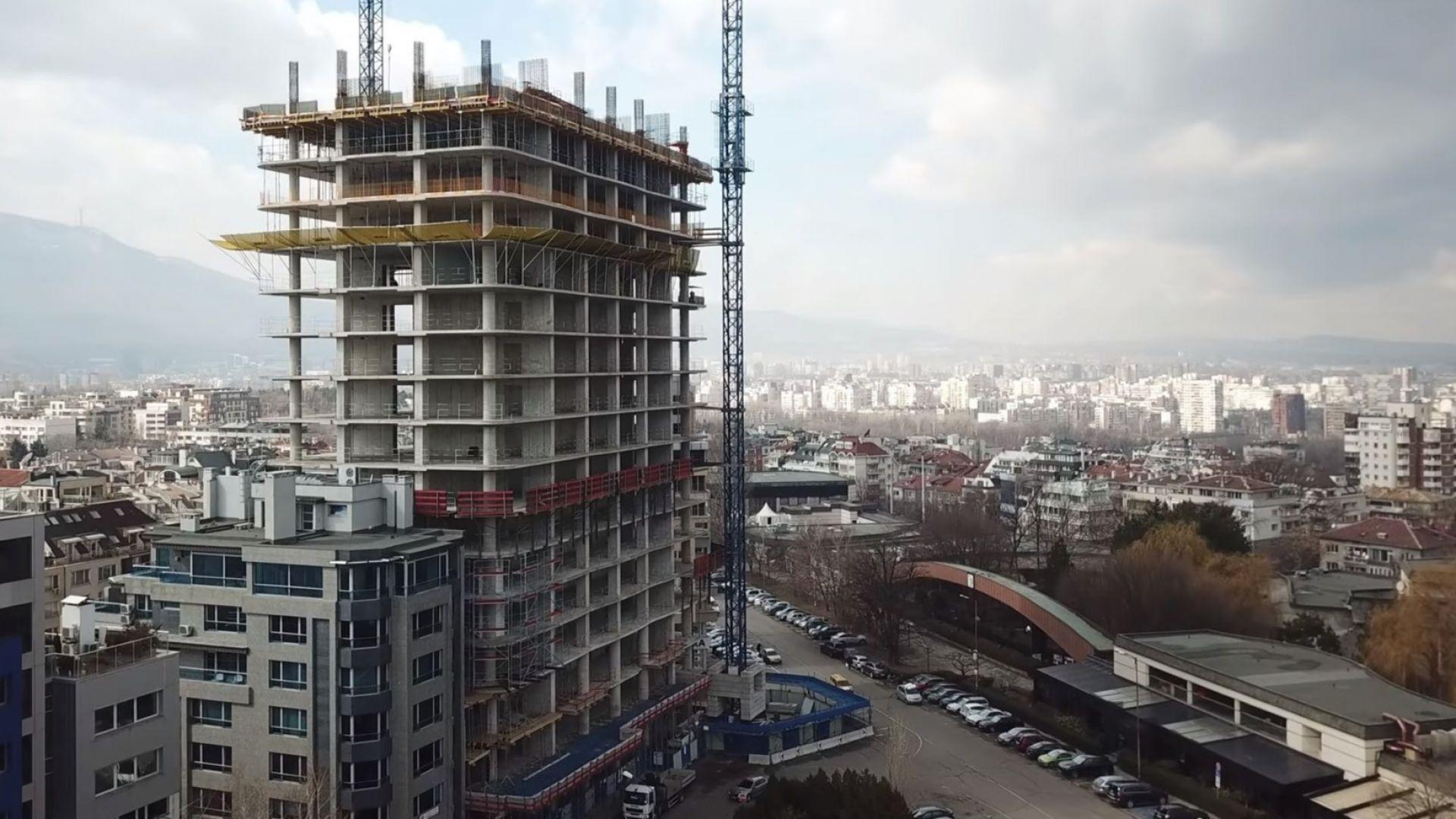 """Протестиращите срещу небостъргача """"Златен век"""" искат ВСС да провери съдийка"""