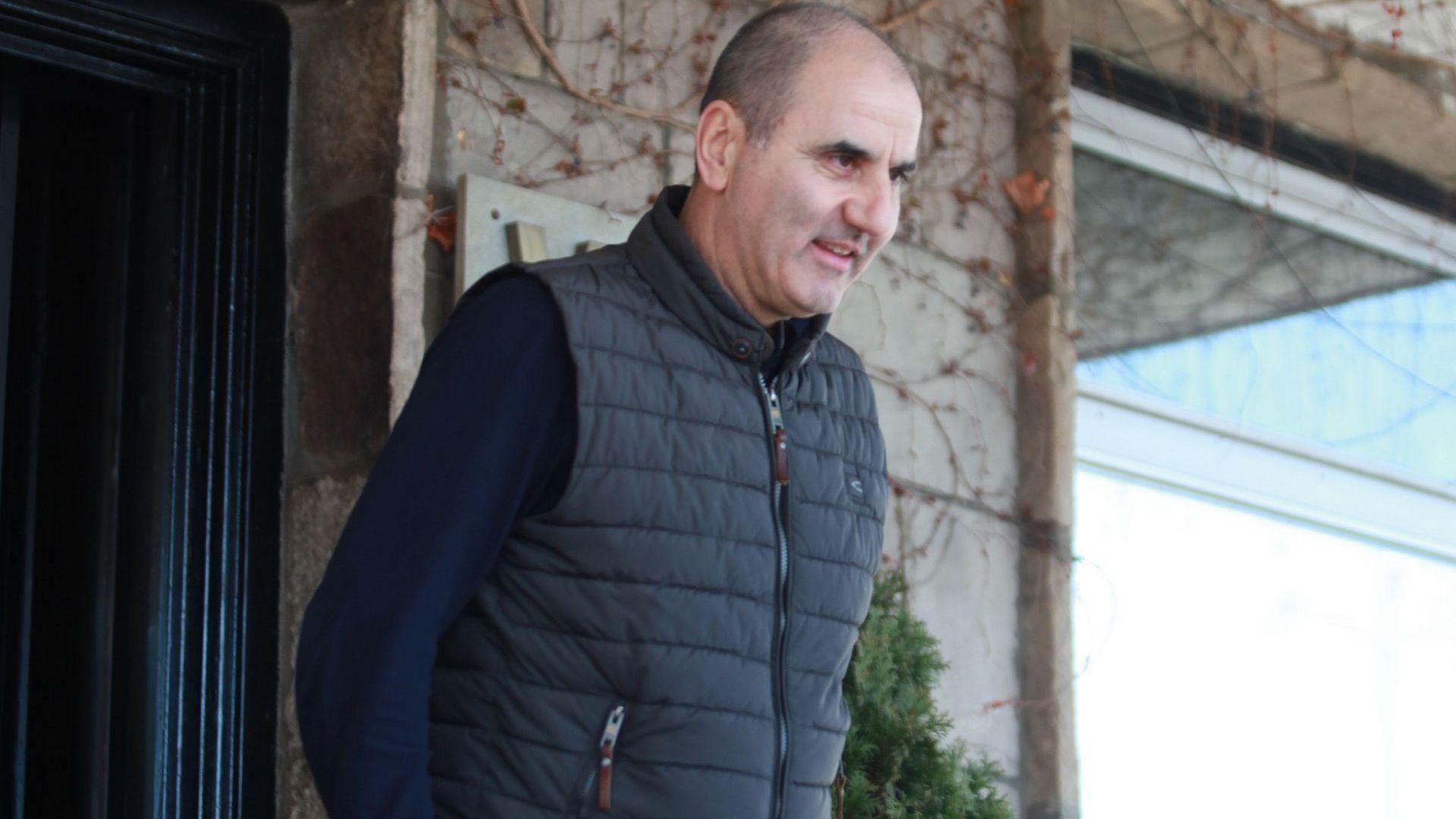 Цветанов в София: Споделил съм решението само със съпругата си, ще го кажа и на премиера