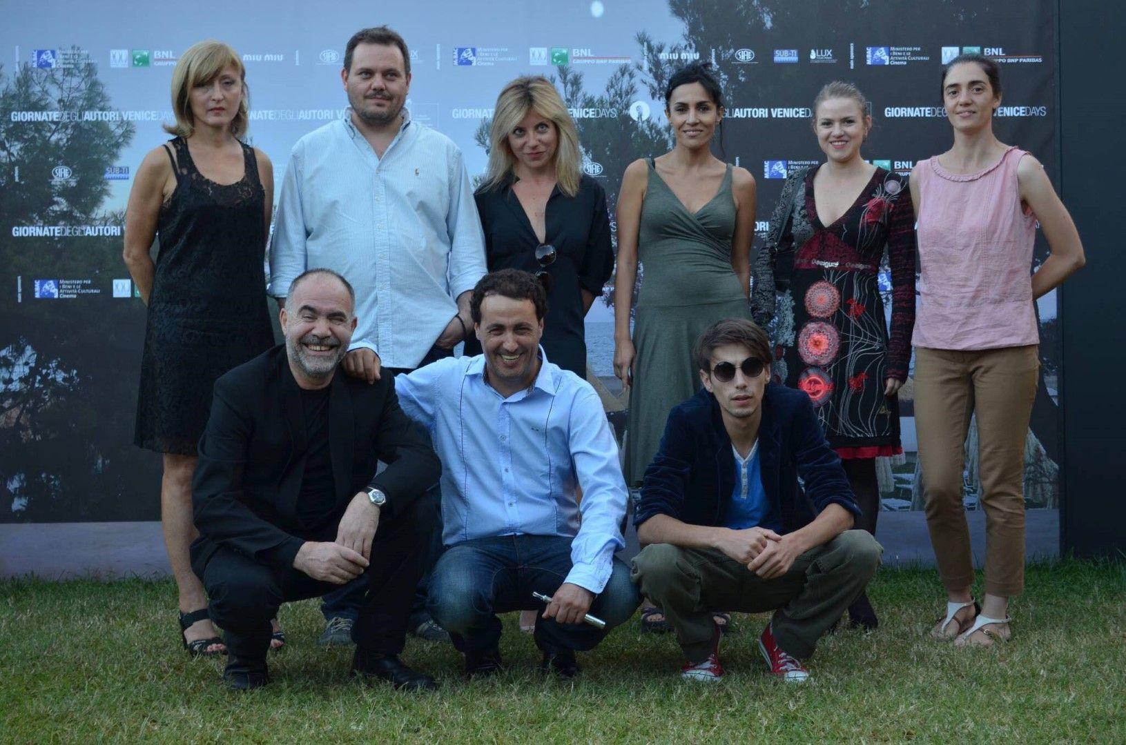 """С Милко Лазаров (в средата) и колегите си от """"Отчуждение"""" на филмовия фестивал във Венеция"""