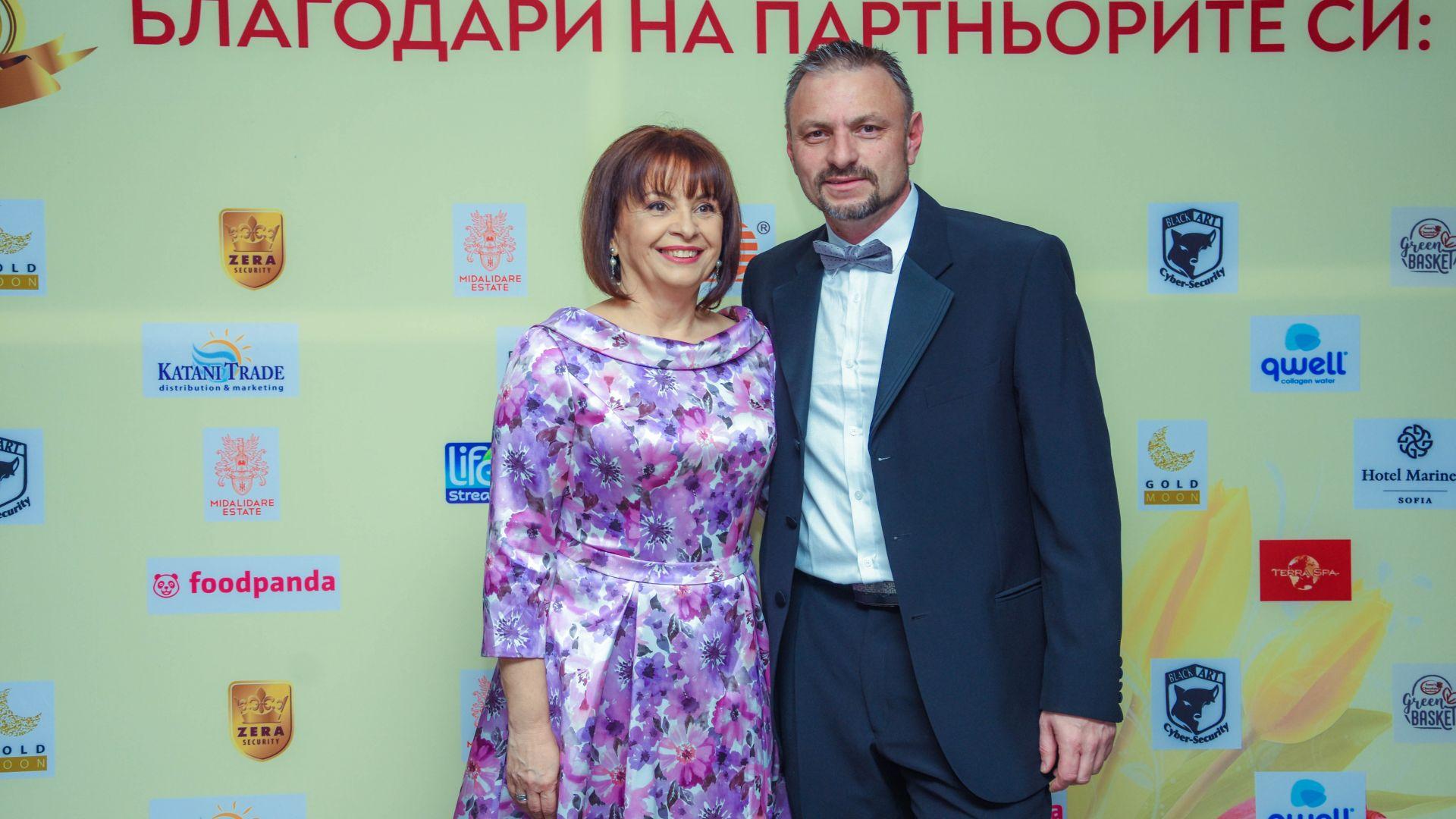 Миглена Ангелова с първи благотворителен бал (снимки)