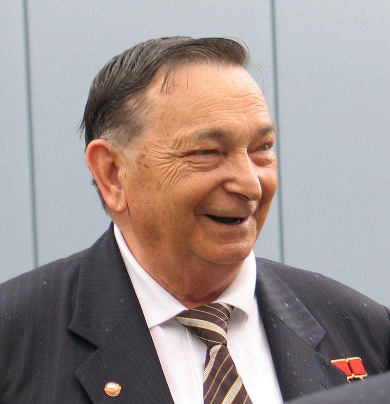 Съветският космонавт Валери Биковски