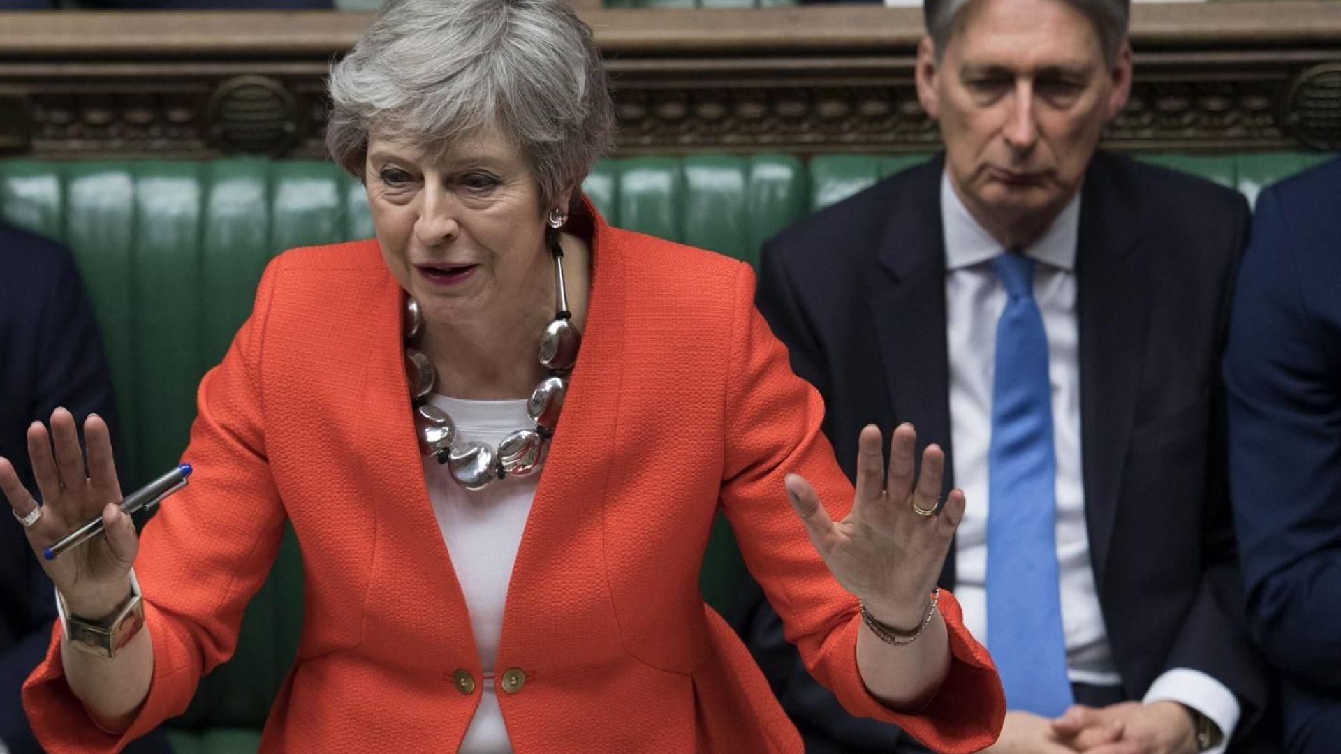 """Драмата на """"Анфийлд"""" влезе и в британския парламент"""