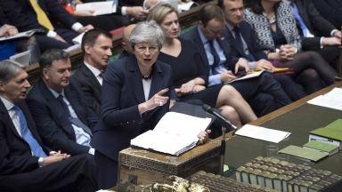 Политическият блокаж в Лондон остава