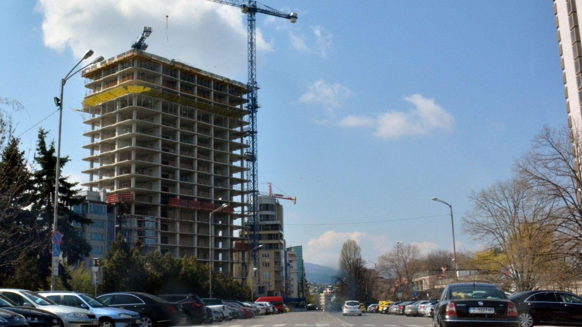 """Кметът на """"Лозенец"""" поиска събаряне на небостъргача """"Златен век"""""""