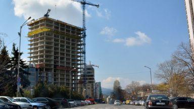 """ДНСК: Небостъргачът """"Златен век"""" не е незаконен, а с нарушения"""