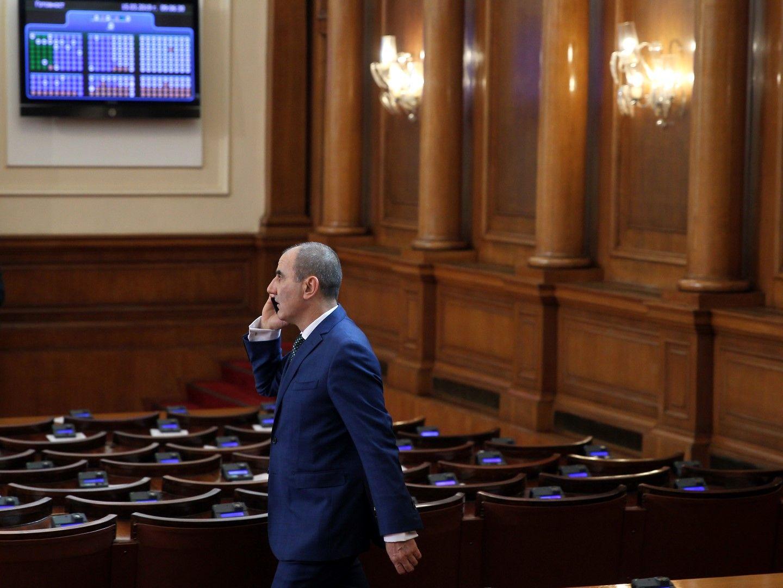 Политическият фалш - при Цветанов или Йончева?