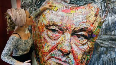 Преди изборите в Украйна - художничка изобрази Порошенко с опаковки на бонбони