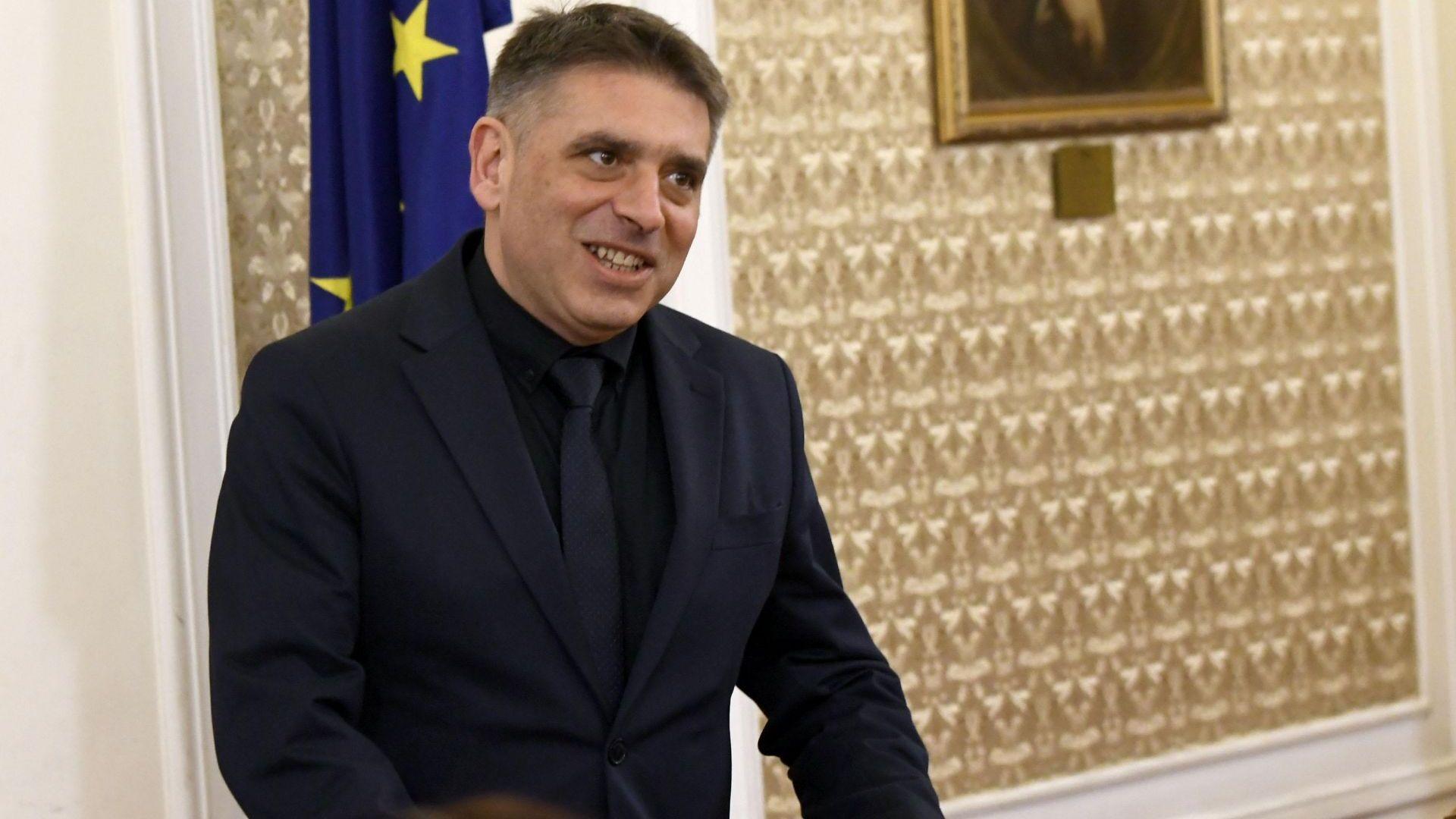 Данаил Кирилов: Дълбоко се съмнявам Лозан Панов да постъпи морално, както нашия лидер