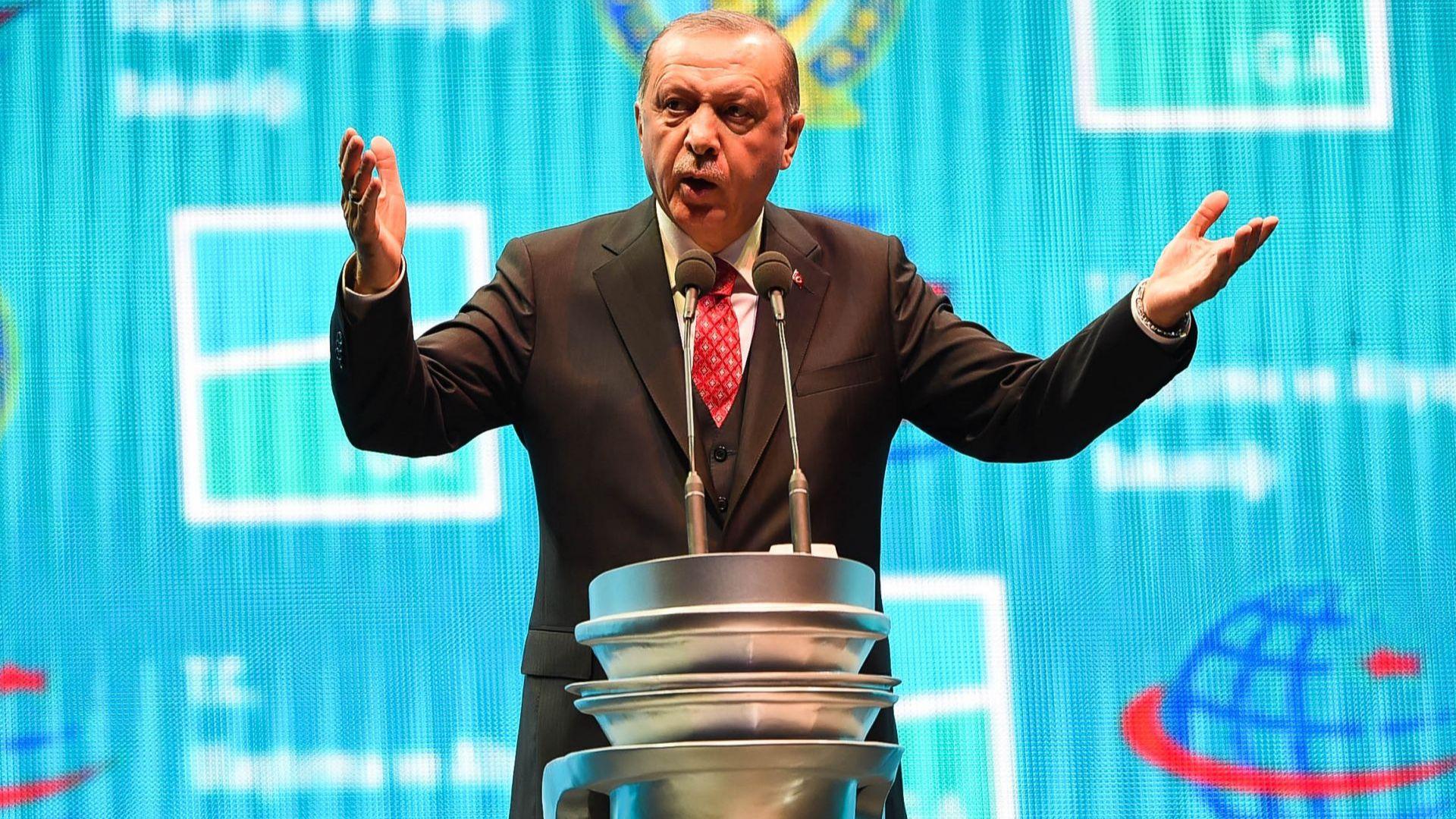 Ердоган се закани да се разправи със съпартийци, виновни за загуба на изборите