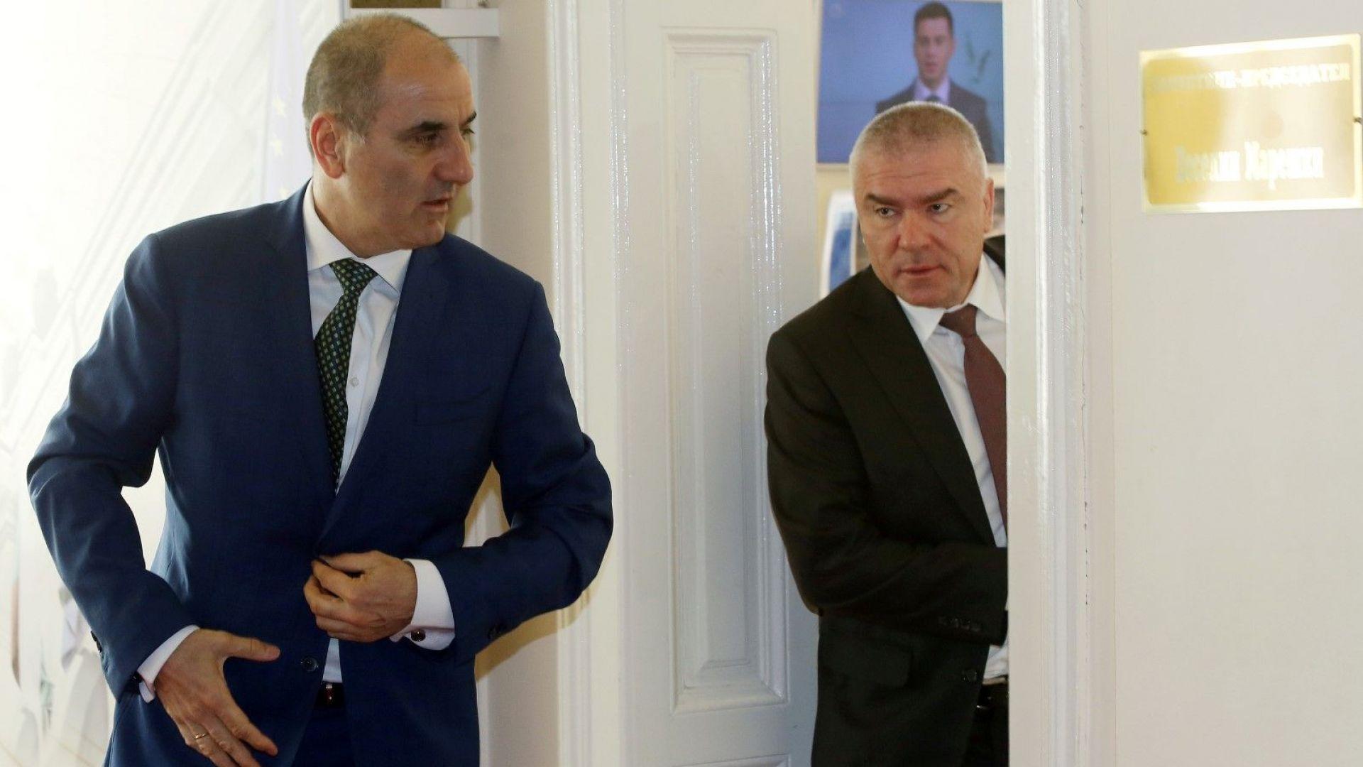 Преди да напусне Цветанов се срещна с парламентарните лидери