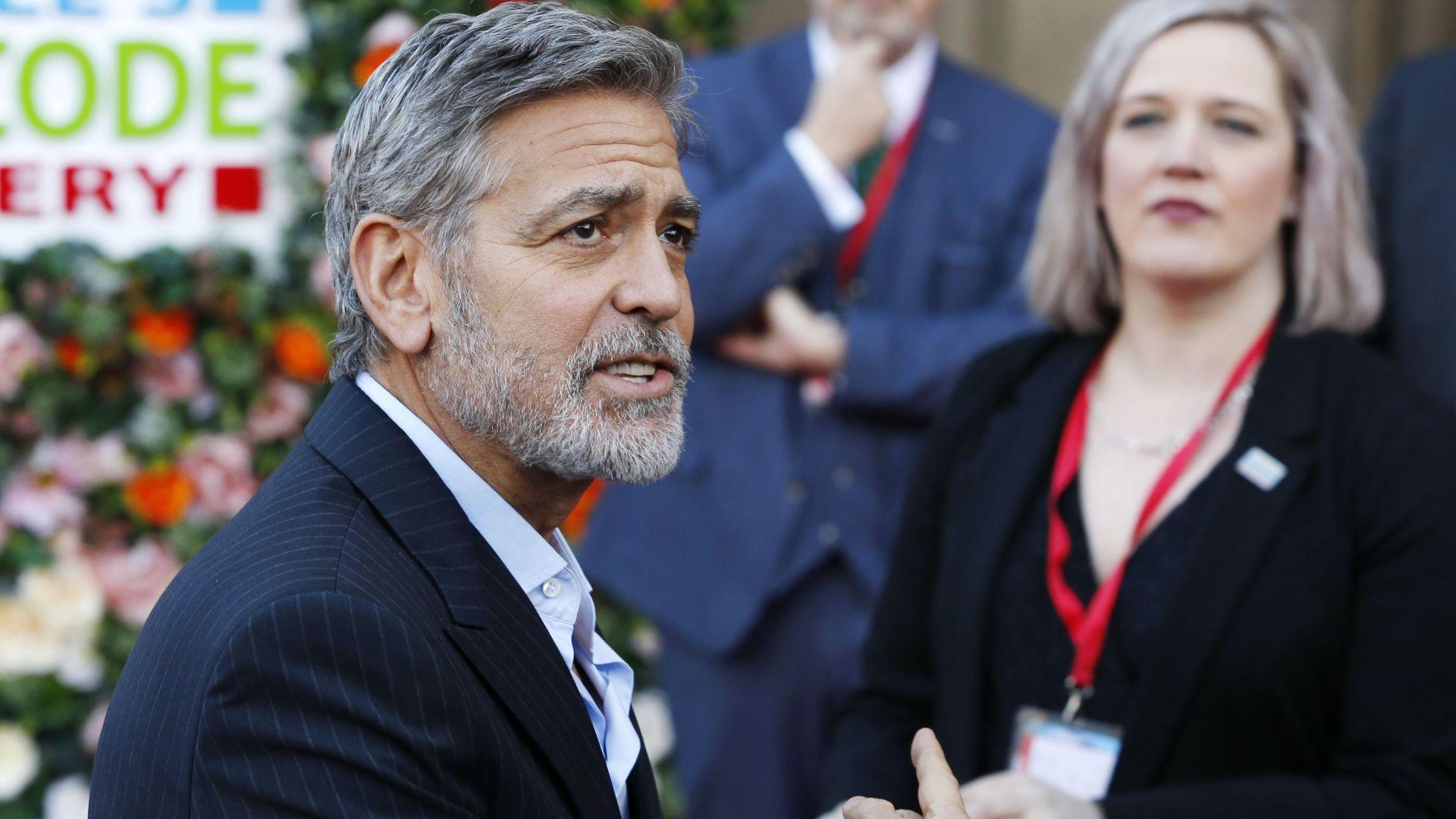 Джордж Клуни призова за бойкот на 9 луксозни хотела заради закон срещу прелюбодеянията