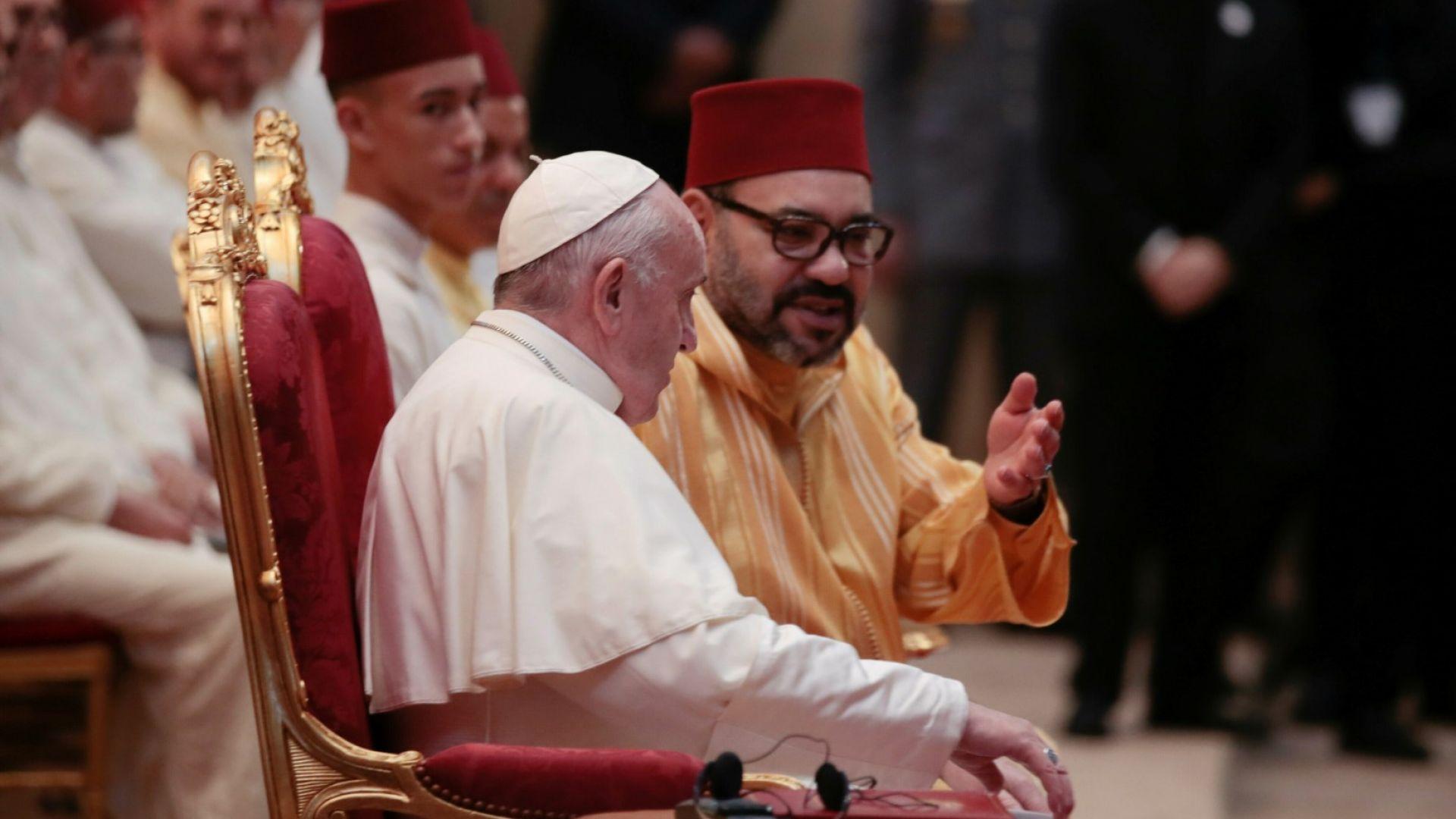 Папа Франциск обвини Европа и САЩ, че продават оръжия и разпалват воини