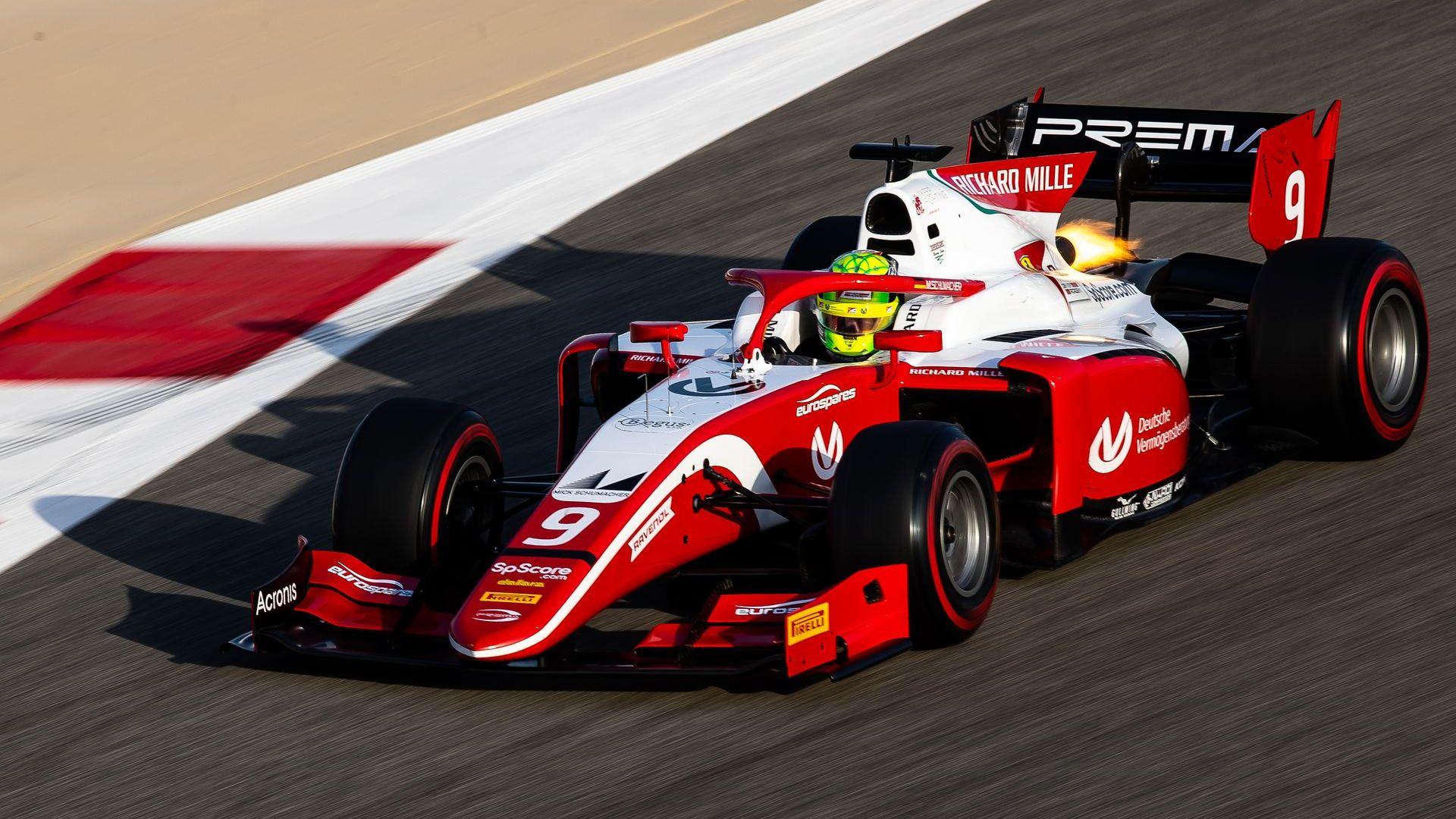 Шуми-младши записа първи точки във Формула 2 пред погледа на мама