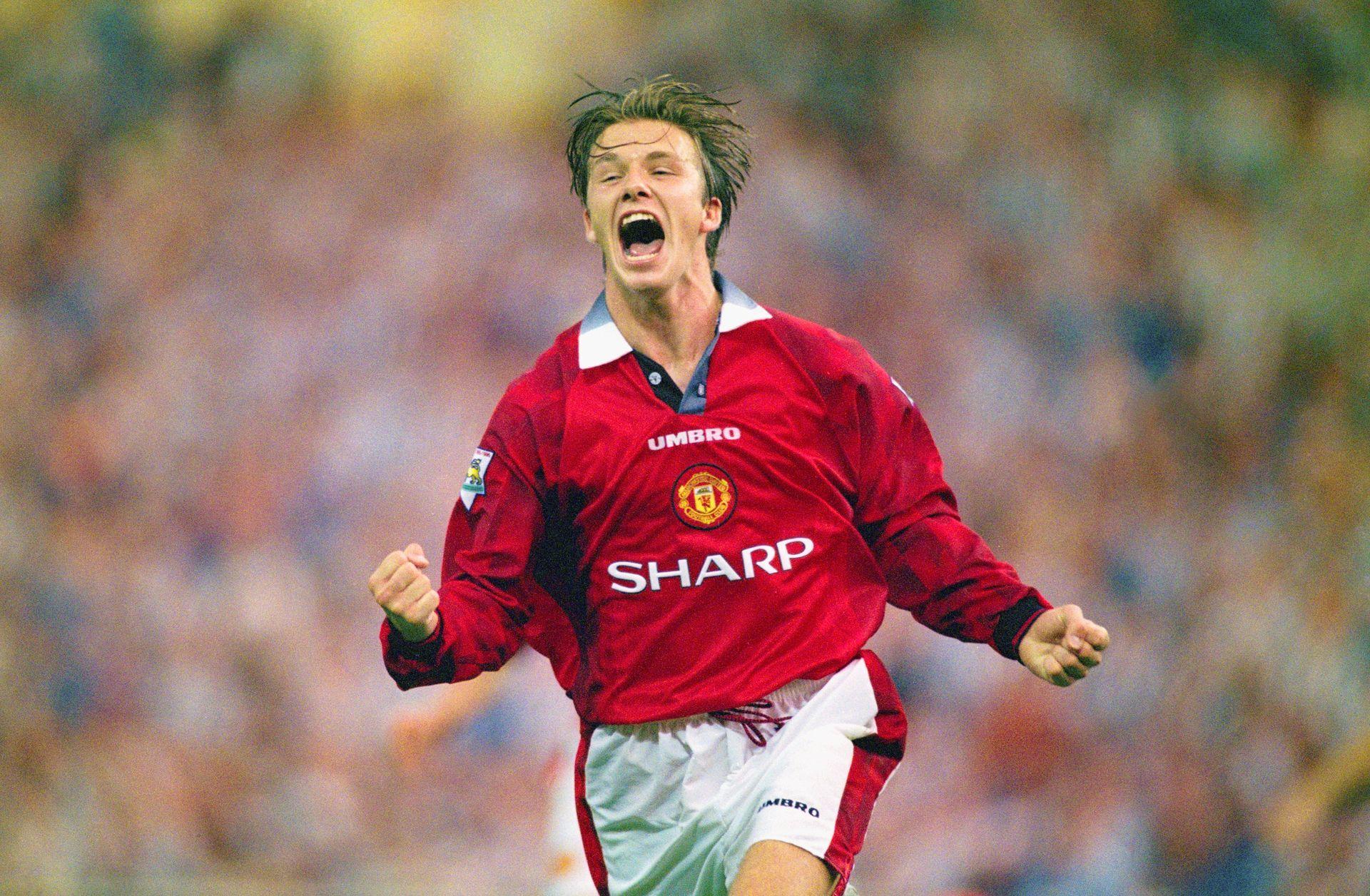21. Дейвид Бекъм - Златното момче. Поколението на Клас 1992 на Манчестър Юнайтед е легендарно, а той е лицето му. И вероятно - най-популярният футболист изобщо, излязъл от английската игра. Спечели 6 титли за десетилетие с Юнайтед, преди да мине през Реал, Милан и ПСЖ, за да завърши кариерата си в Америка.