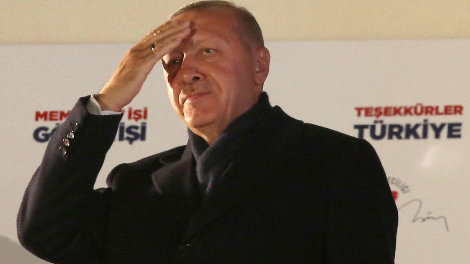 И управляващи, и опозиция твърдят, че са спечелили кметския пост в Истанбул