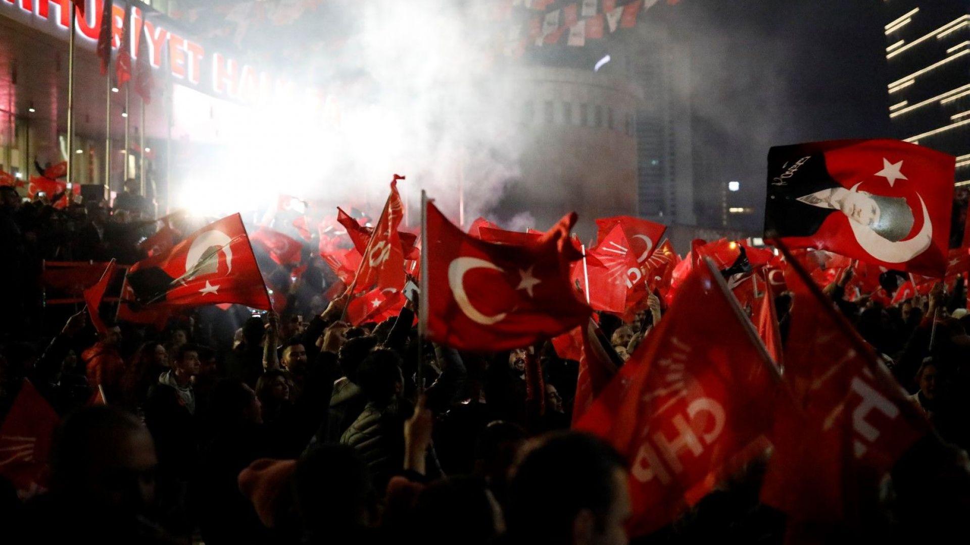 Нови данни от Турция: Републиканският алианс печели 51,67%, а Националният алианс - 37,53