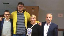 Хърватски депутат е по-висок от съветника в Бруклин, който влезе в Гинес