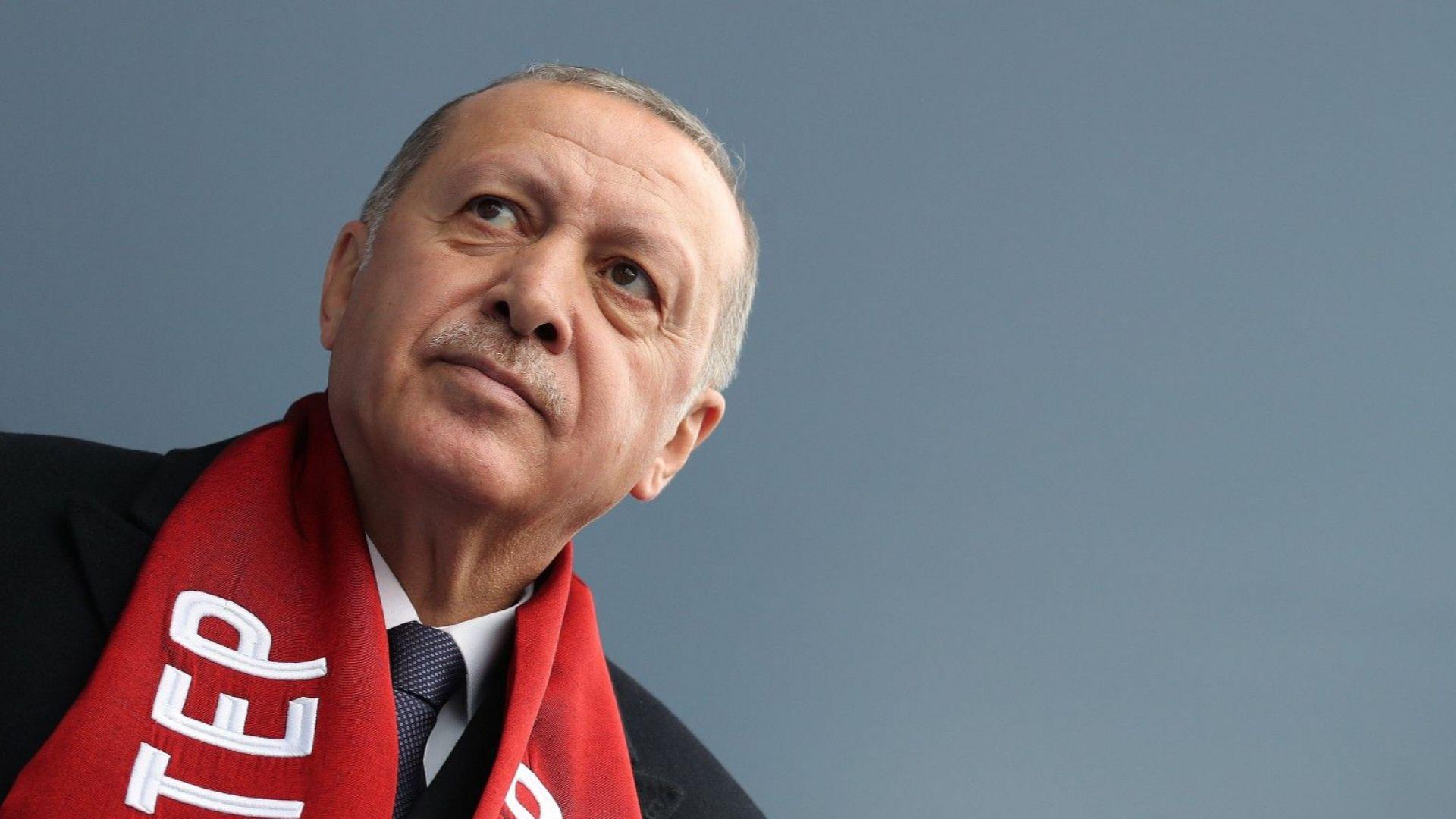Партията на Ердоган иска анулиране на изборите в Истанбул и свикване на нови