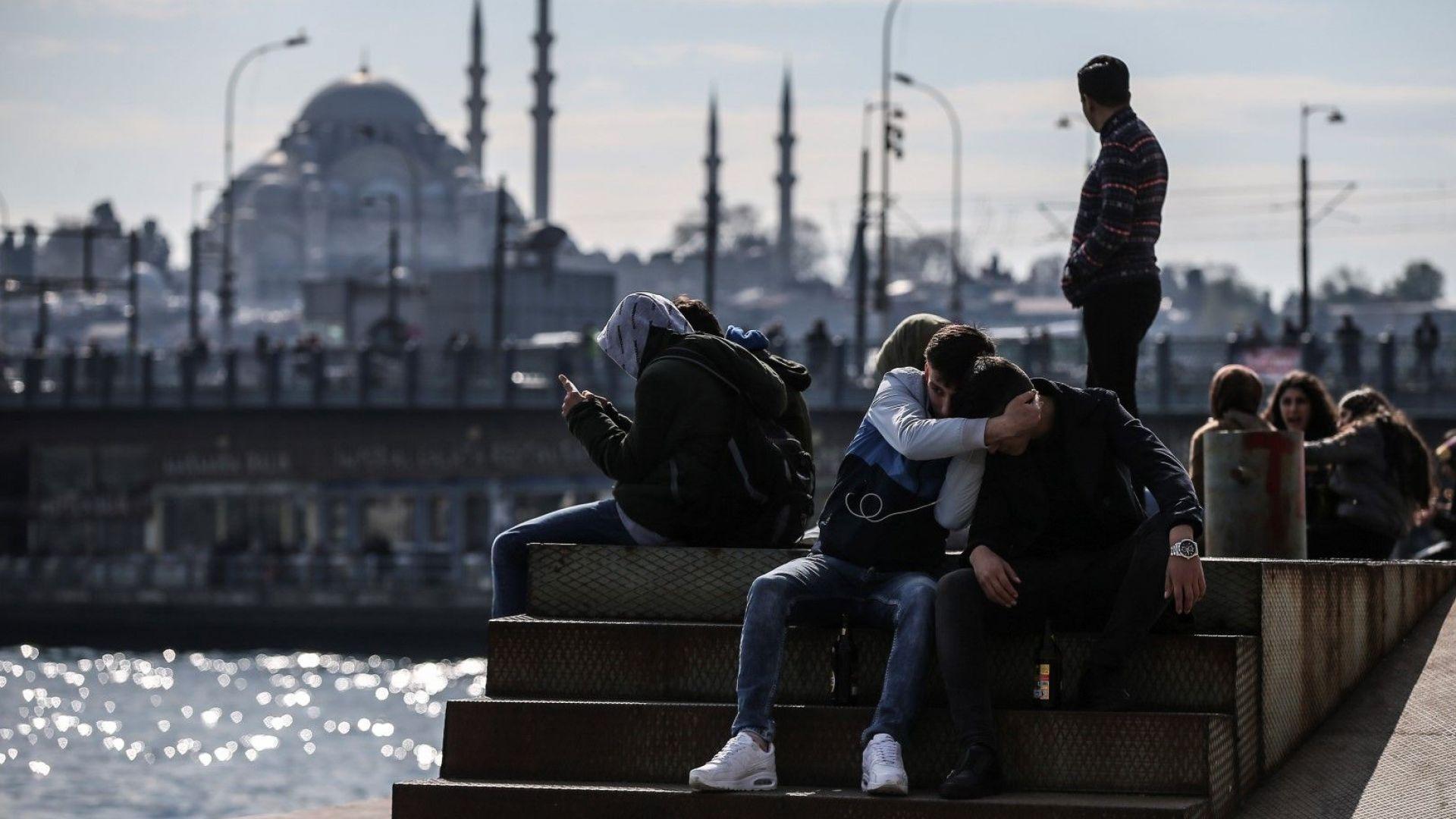 Мощен трус от 6 по Рихтер разлюля Истанбул, усети се силно и в Бургас (видео)