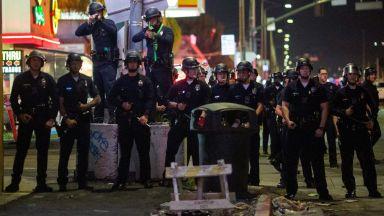 19 ранени на бдението на убития рапър Нипси Хъсъл (видео+снимки)