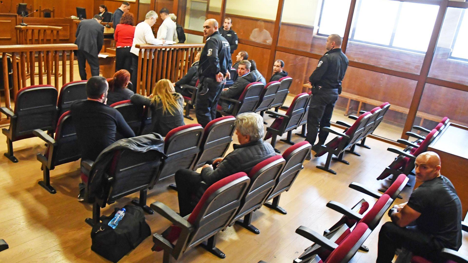 Трима от задържаните при акцията в Казанлъшко остават в ареста