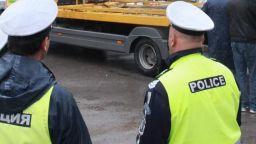 Трактор, камион и кола се удариха край Ловеч, има загинал