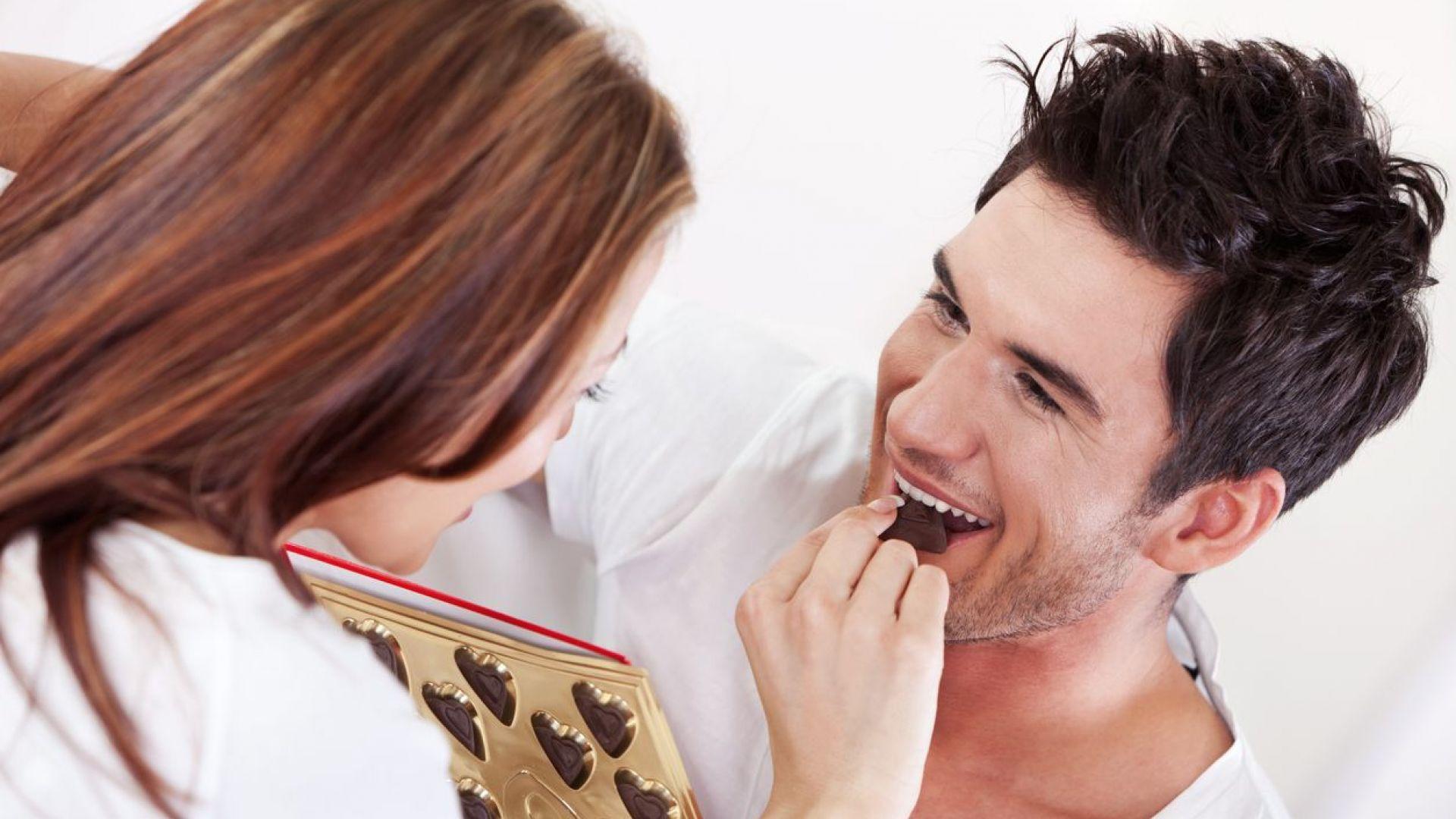 Само няколко парченца черен шоколад на ден регулират кръвното
