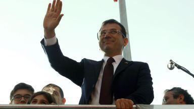 Изгряващата звезда на опозицията, която изтръгва Истанбул от Ердоган