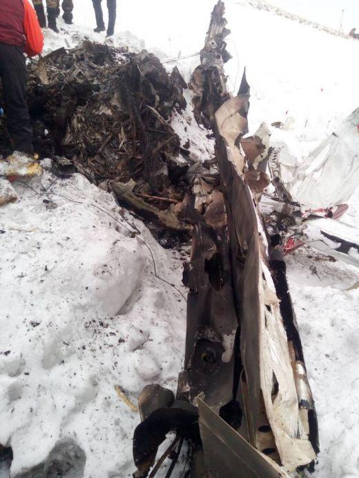 Телата на загиналите са открити сред отломките