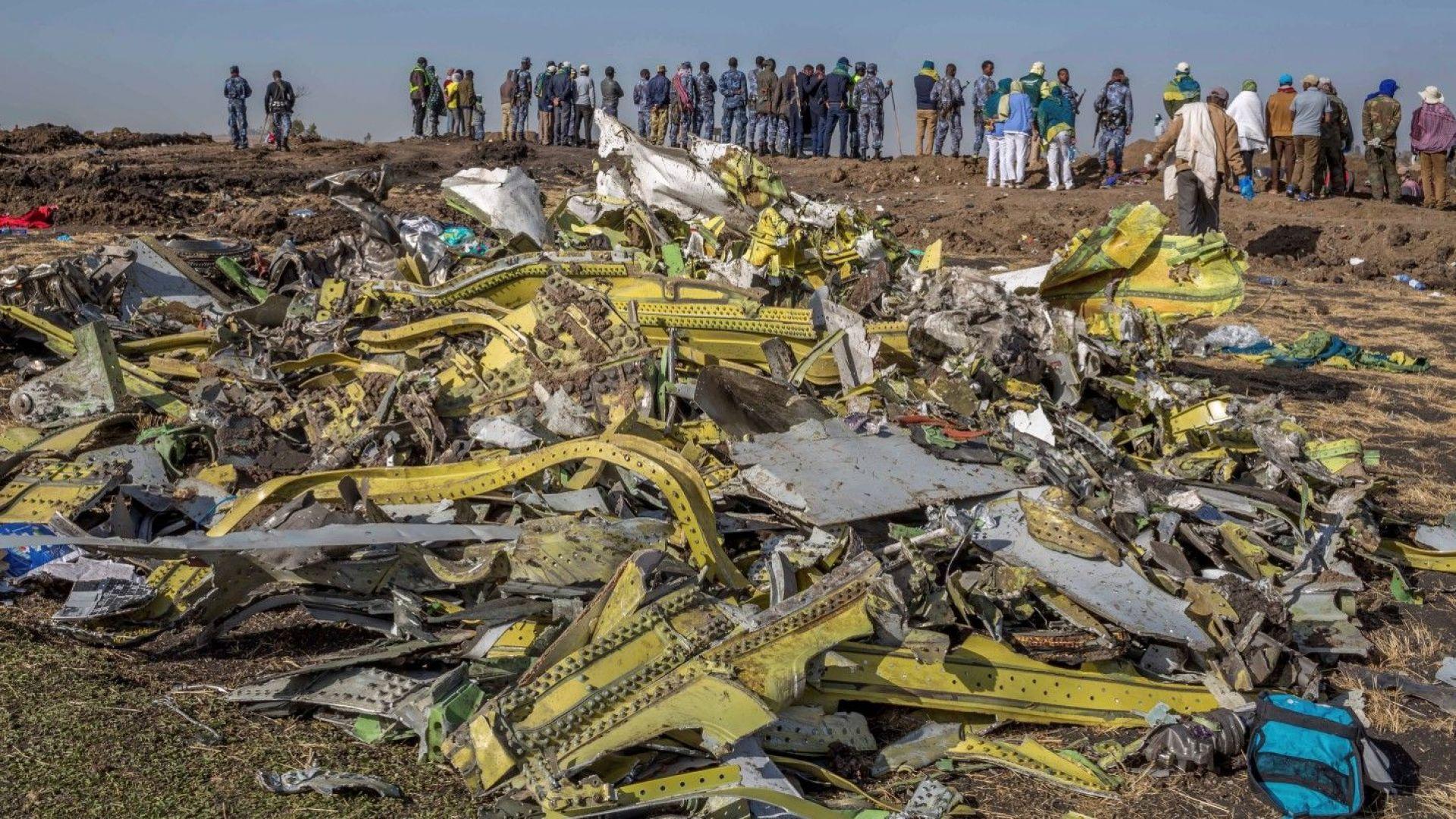 Пилотите на етиопския боинг не са могли да спрат падането на самолета