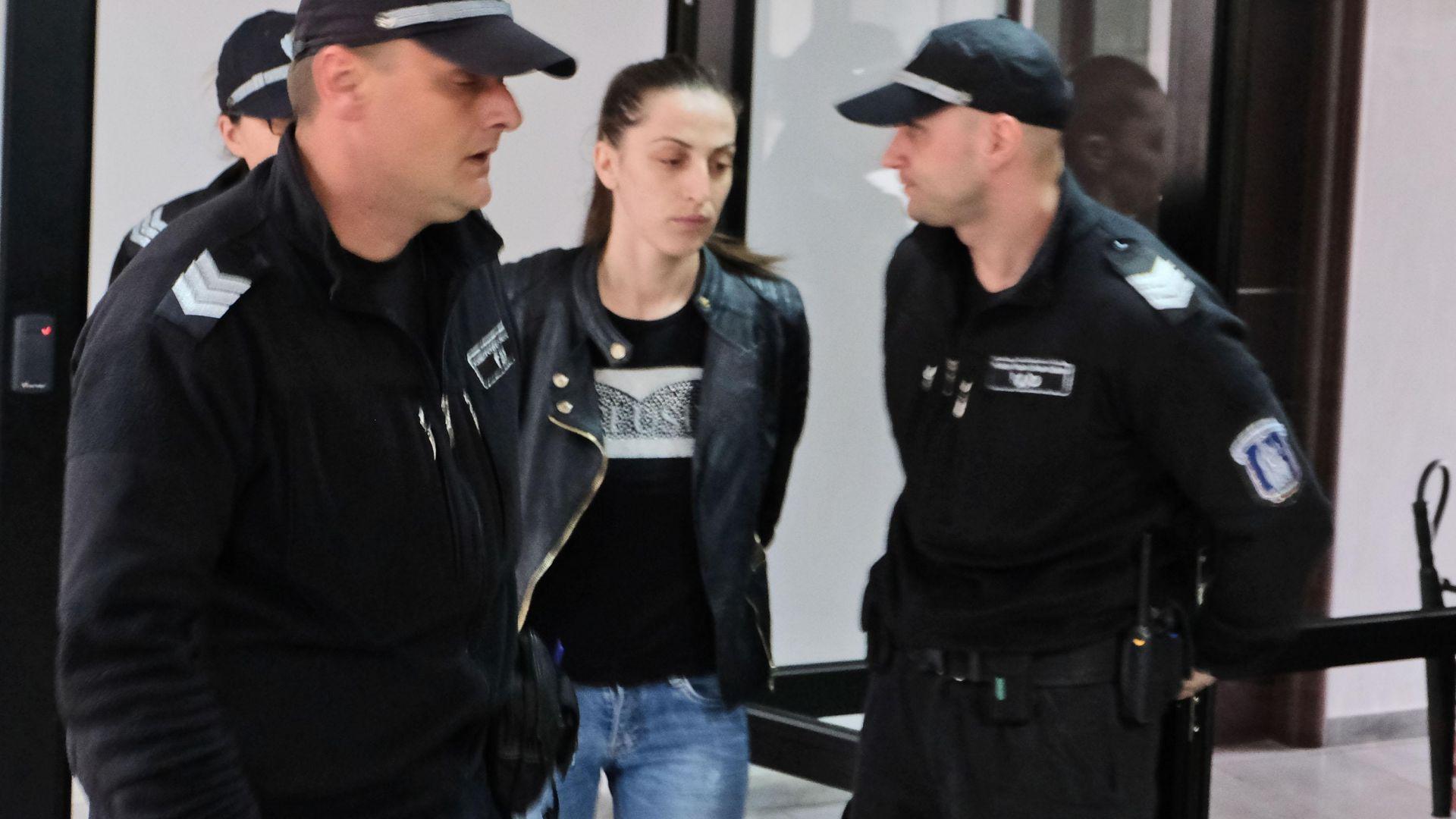 Съд пусна под домашен арест разследващата полицайка Розалия Кьосева