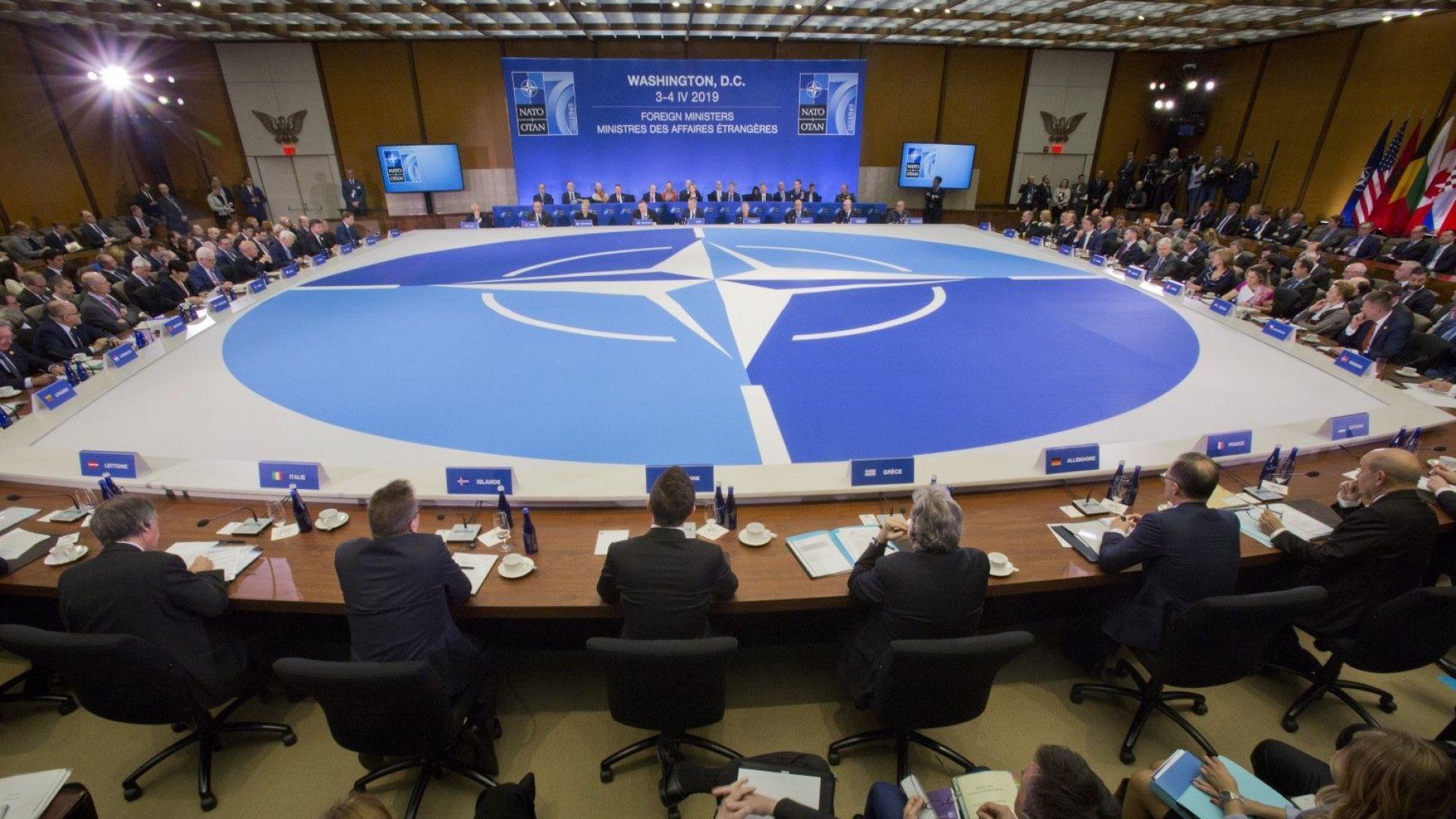 Как НАТО смята да спре Русия при ракетна атака срещу Европа