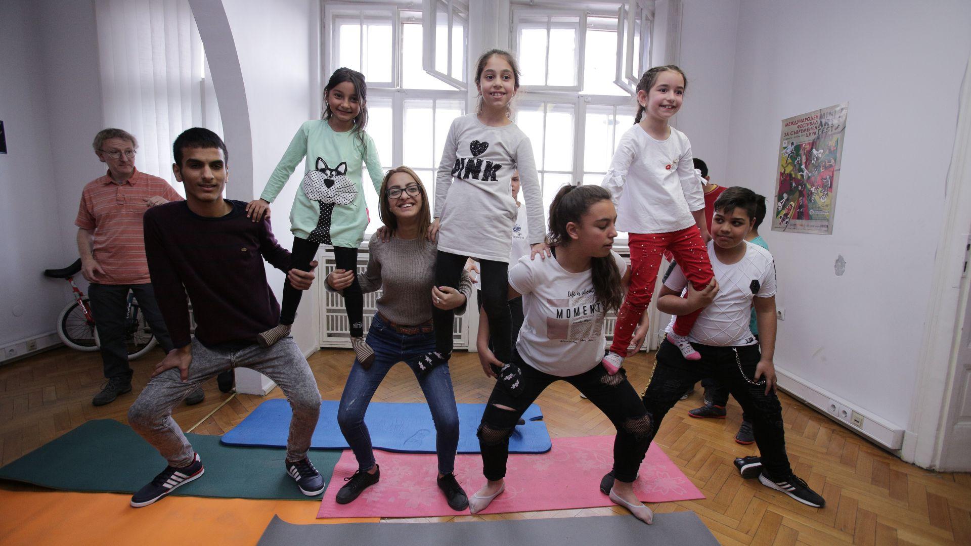 Циркова еуфория с деца от домове показа какво е Социален цирк за Надежда!