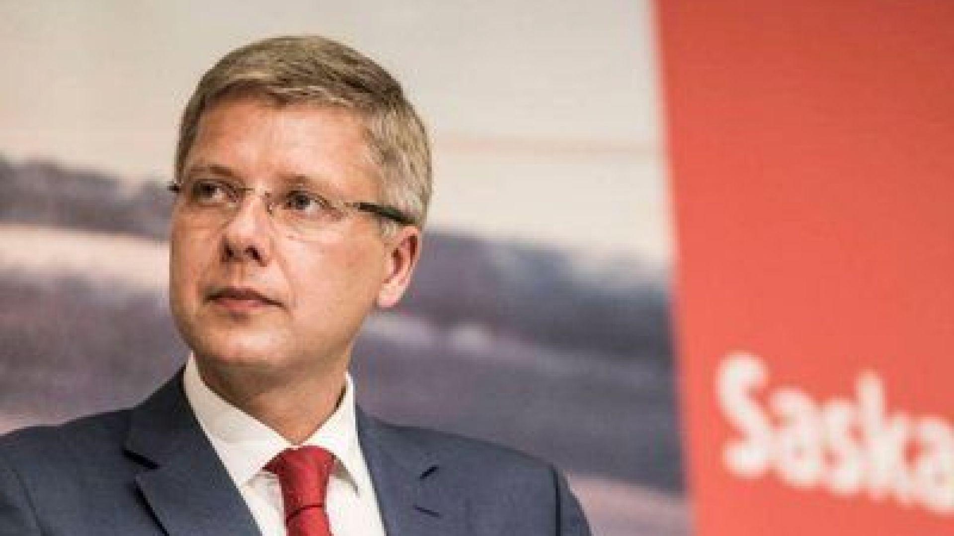 """Уволниха кмета на Рига за """"безсрамни финансови нарушения"""""""
