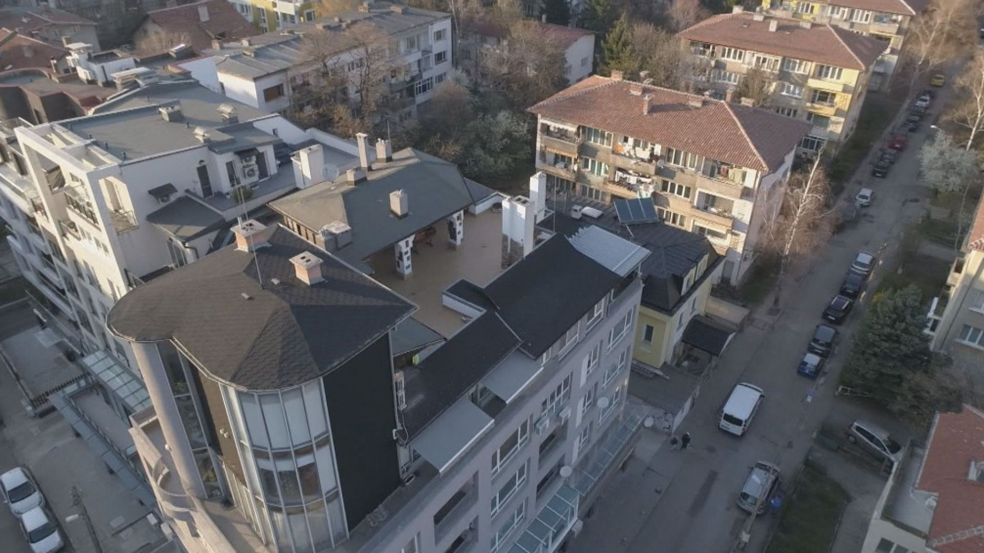 Съсед на Пламен Георгиев: Нямаме достъп до терасата на покрива