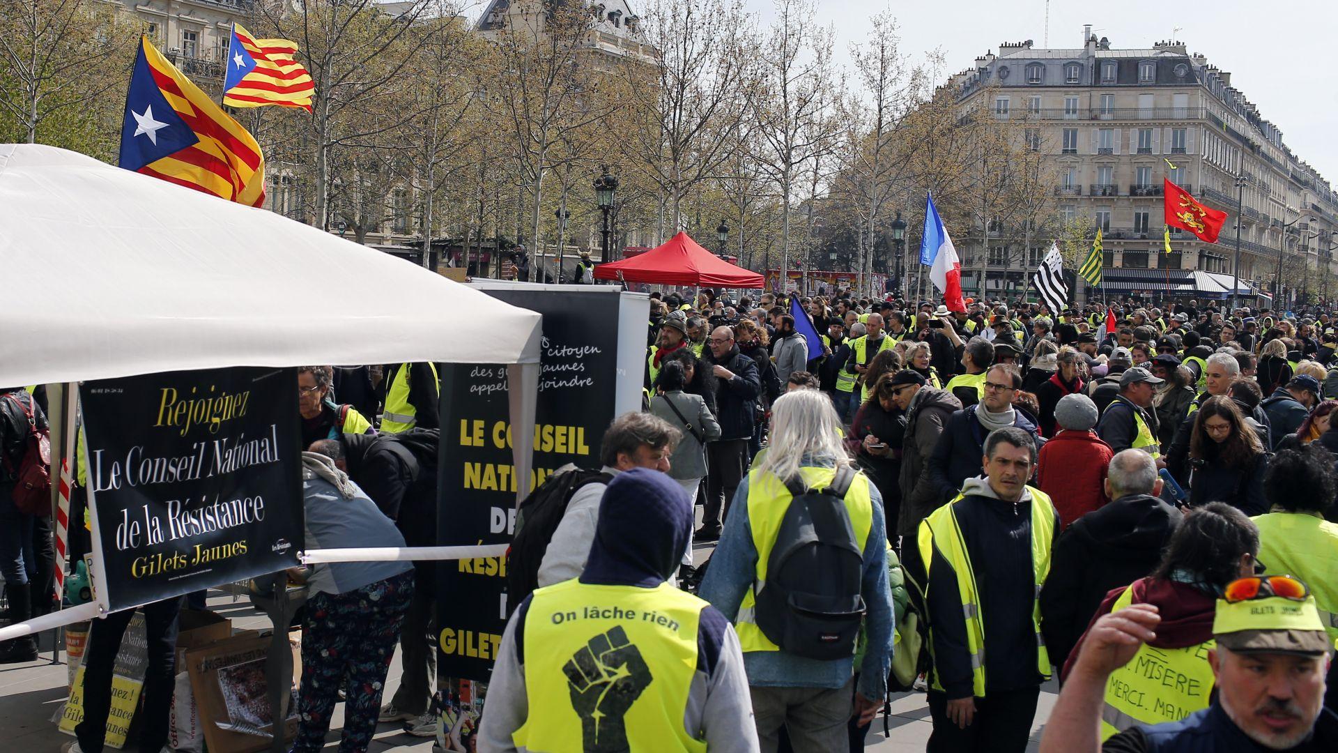 """Френските """"жълти жилетки"""" поемат по улиците за 21-ва поредна събота"""