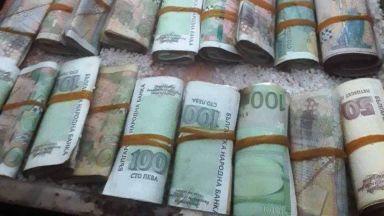 Задържаните ало измамници взели близо милион  от една от жертвите