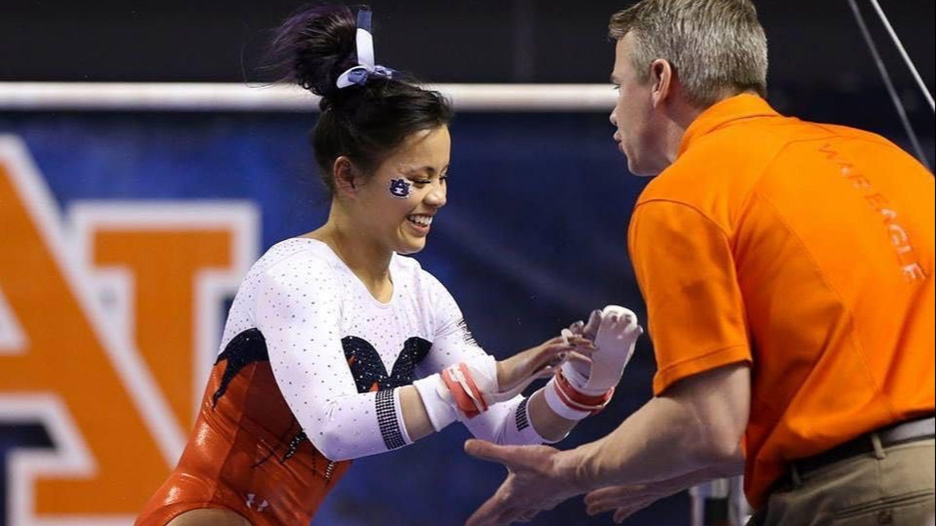 Гимнастичка си счупи брутално двата крака и се отказа от спорта