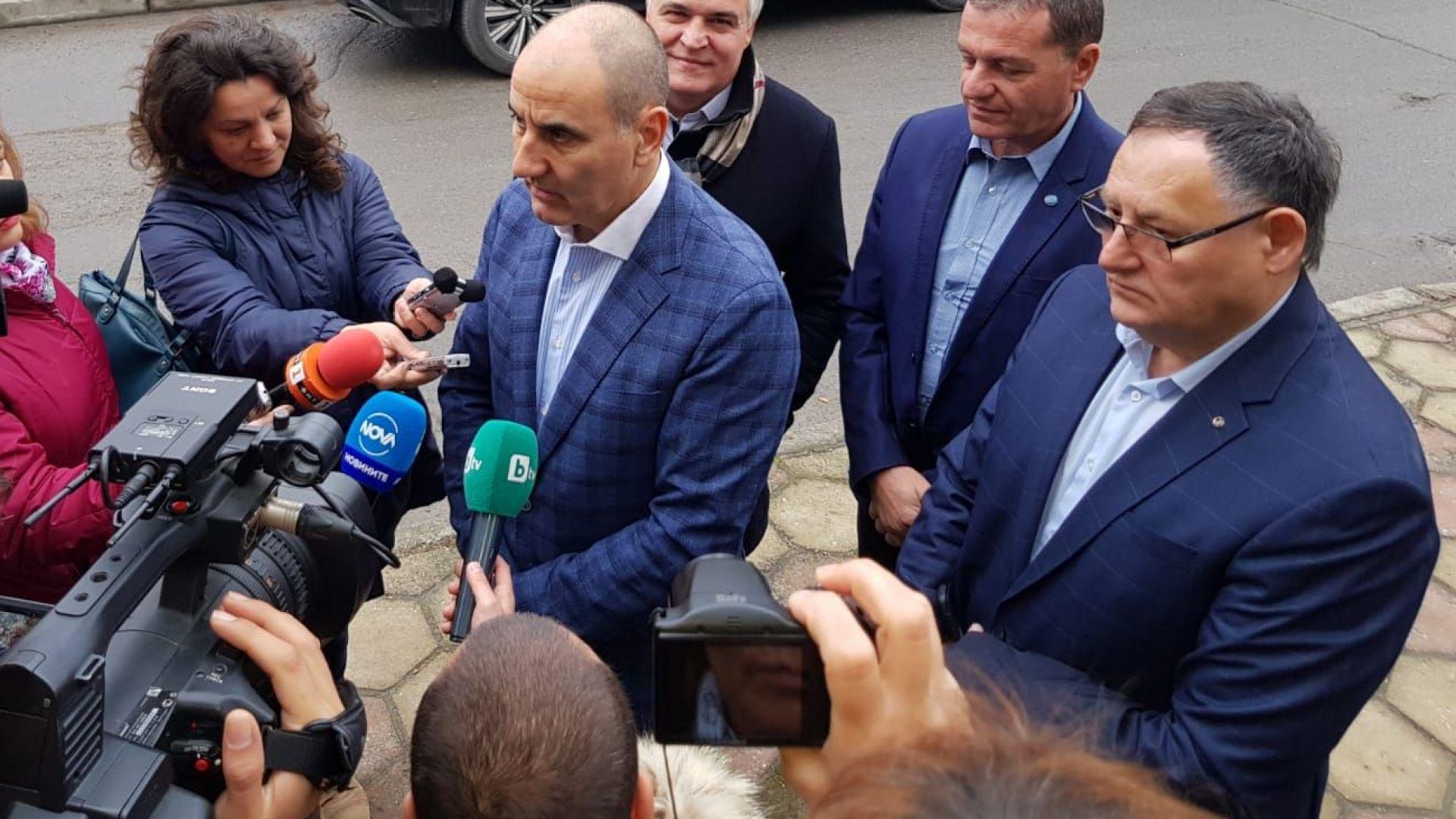 """Цветанов готов да заведе дела срещу хора, които """"преминаха границата"""""""